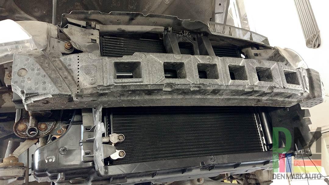 замена-радиатора-кондиционера-пассат-сс-7